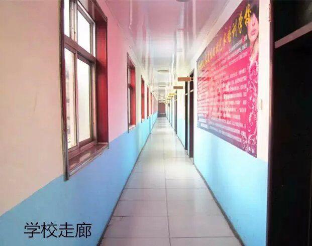 德州新世纪宽敞的学校走廊