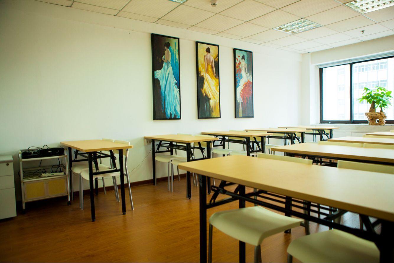 完善学校内部治理结构