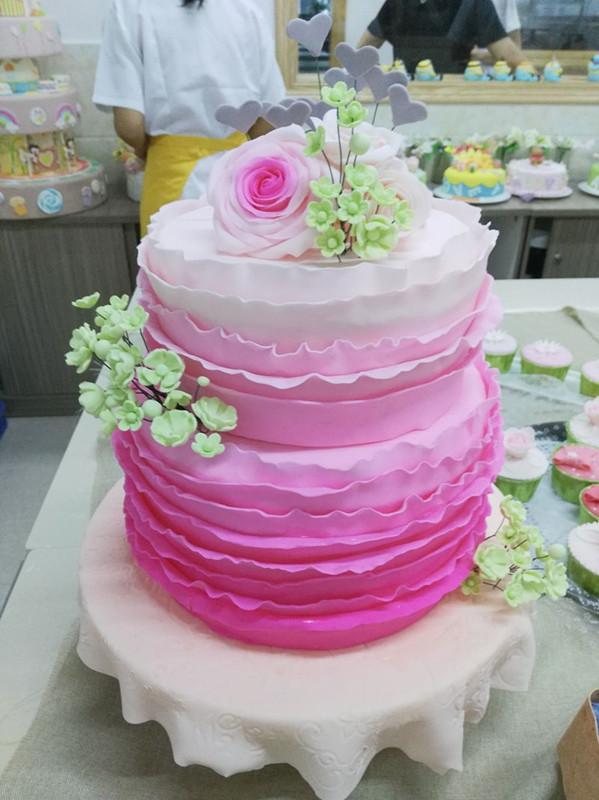 品:渐变色婚礼翻糖蛋糕