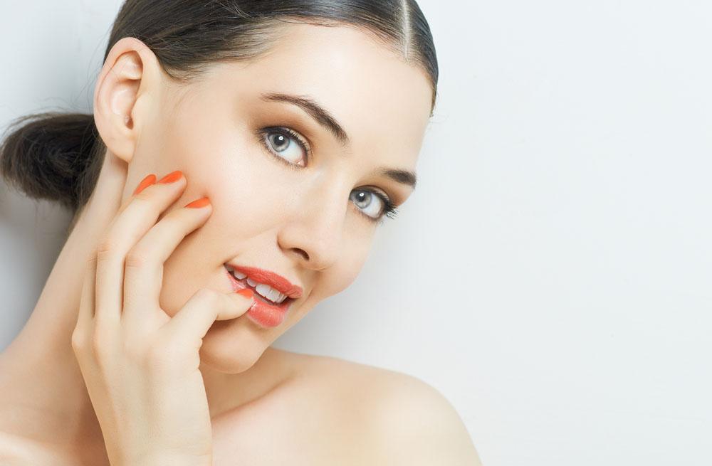 哈尔滨女王帮你辨别纹眉、绣眉、雾眉,仿真眉,半永久到底那种好