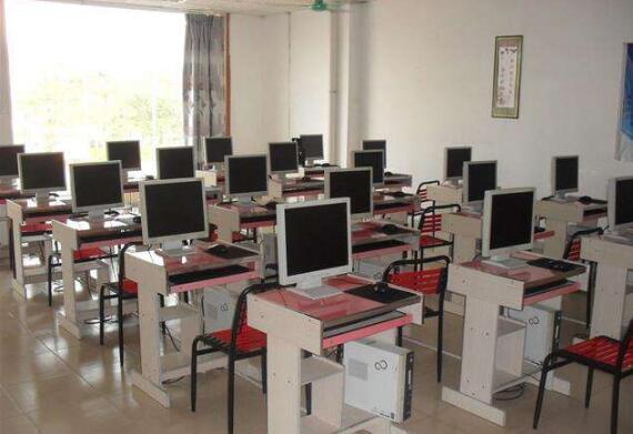 重庆鲁班培训学校教室设备