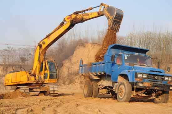 新乡挖掘机叉车培训学校