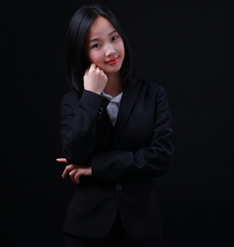 覃怡--戴氏顺吉总校美术教师