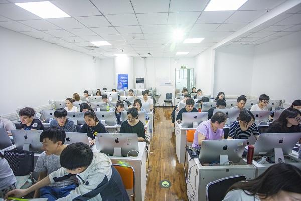 广州达内Web前端培训