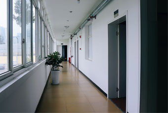 成都高中輔導班走廊環境